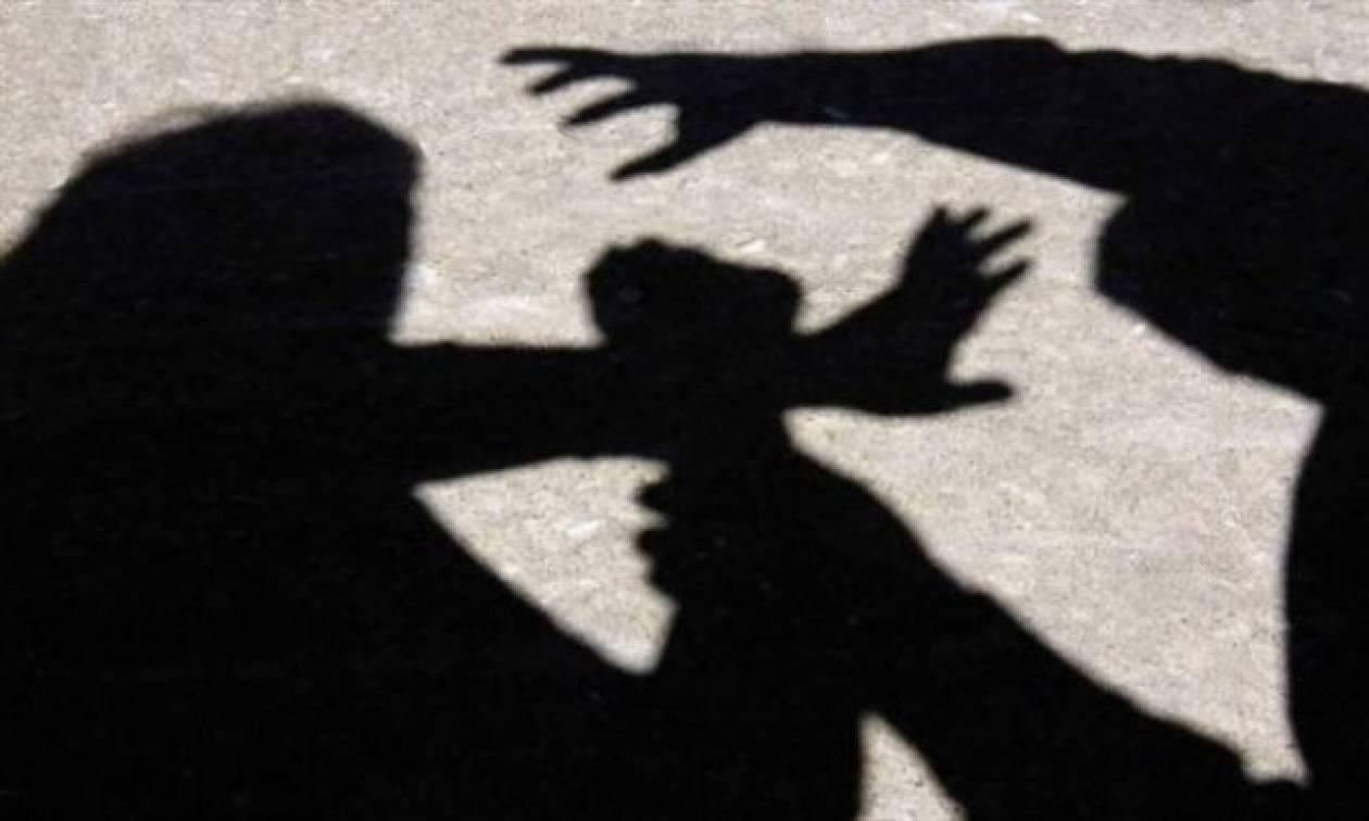 Σοκ: Χαροπαλεύει 18χρονη - Την πυροβόλησαν ο πατέρας της και ο αδερφός της (pics)