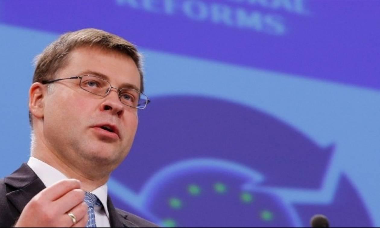 Ντομπρόφσκις: Εφικτό η Ελλάδα να βγει στις αγορές το 2018