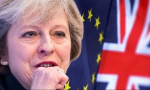 Εκλογές Βρετανία 2017: «Σαρώνει» η Μέι στις δημοσκοπήσεις