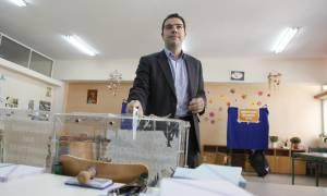Αποκάλυψη: Ο Τσίπρας απορρίπτει τις εκλογές για το 2018, αλλά «καλοβλέπει» Δημοψήφισμα
