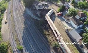 Εκτροχιασμός τρένου: Σοκάρουν οι πρώτες εικόνες της τραγωδία υπό το φως της ημέρας (pics+vids)