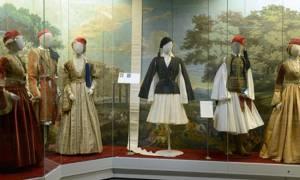 «Παρίσι – Αθήνα»: Το μοντέλο του Jean Paul Gaultier στο Μουσείο Μπενάκη
