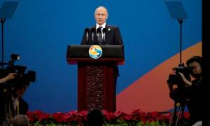 «Κινούμενη άμμος» η κορεατική χερσόνησος: Και ο Πούτιν στρέφεται κατά του Κιμ Γιονγκ Ουν (Vid)