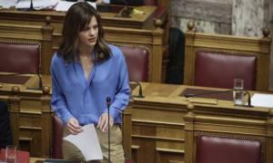 Ονειροβατεί η Αχτσιόγλου: Η ψήφιση των μέτρων μας οδηγεί στο τέλος της επιτροπείας
