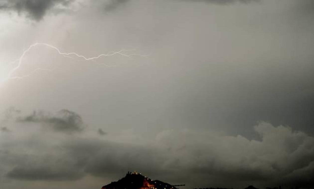 Χαλάει ο καιρός την Τρίτη με βροχές, καταιγίδες και πτώση της θερμοκρασίας (pics)