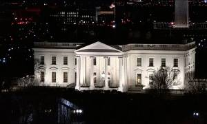 Συναγερμός στο Λευκό Οίκο: Άνδρας πήδηξε τον φράχτη - Αποκλείστηκε η περιοχή