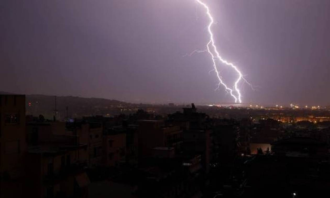 Καιρός σήμερα: Με καταιγίδες, πτώση της θερμοκρασίας και μποφόρ η Τετάρτη (pics)