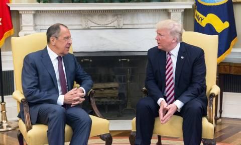Трамп рассказал Лаврову о планах ИГ взорвать пассажирский самолет