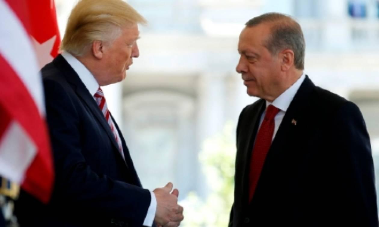 Επεισόδια έξω από το Λευκό Οίκο για τον Ερντογάν