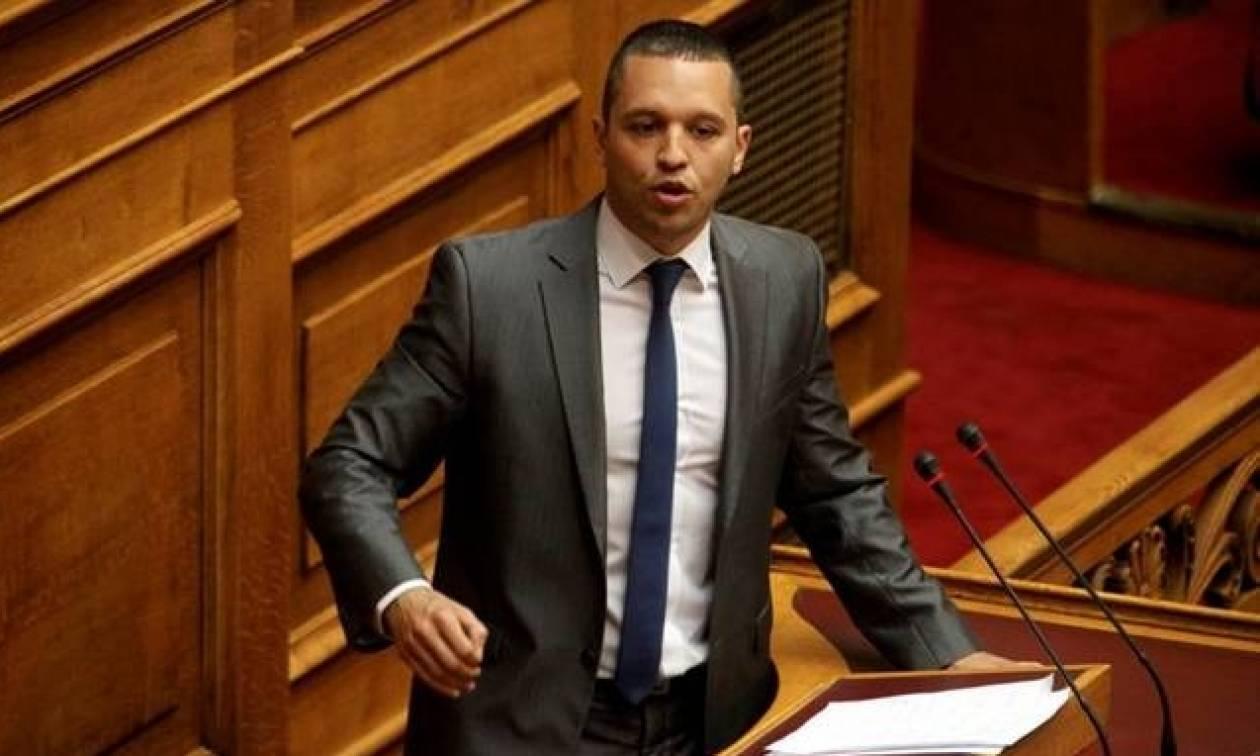 Βουλή: Αποκλείστηκε η Χρυσή Αυγή από τη συζήτηση του πολυνομοσχεδίου