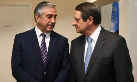 Νέα εμπόδια στις διαπραγματεύσεις για το Κυπριακό: Διαφώνησε ο Ακιντζί με την εισήγηση Αναστασιάδη