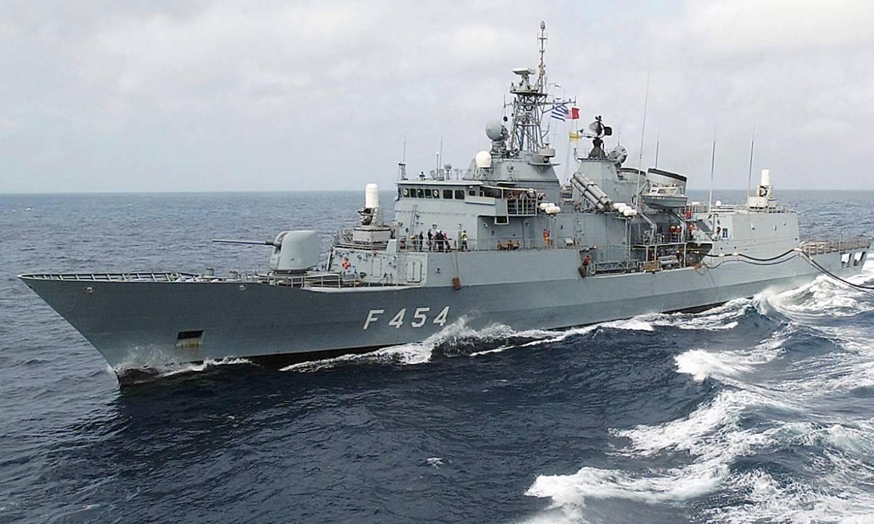 Η Ελλάδα απαντά στους Τούρκους: Όλος ο ελληνικός στόλος βγαίνει στο Αιγαίο (vid)