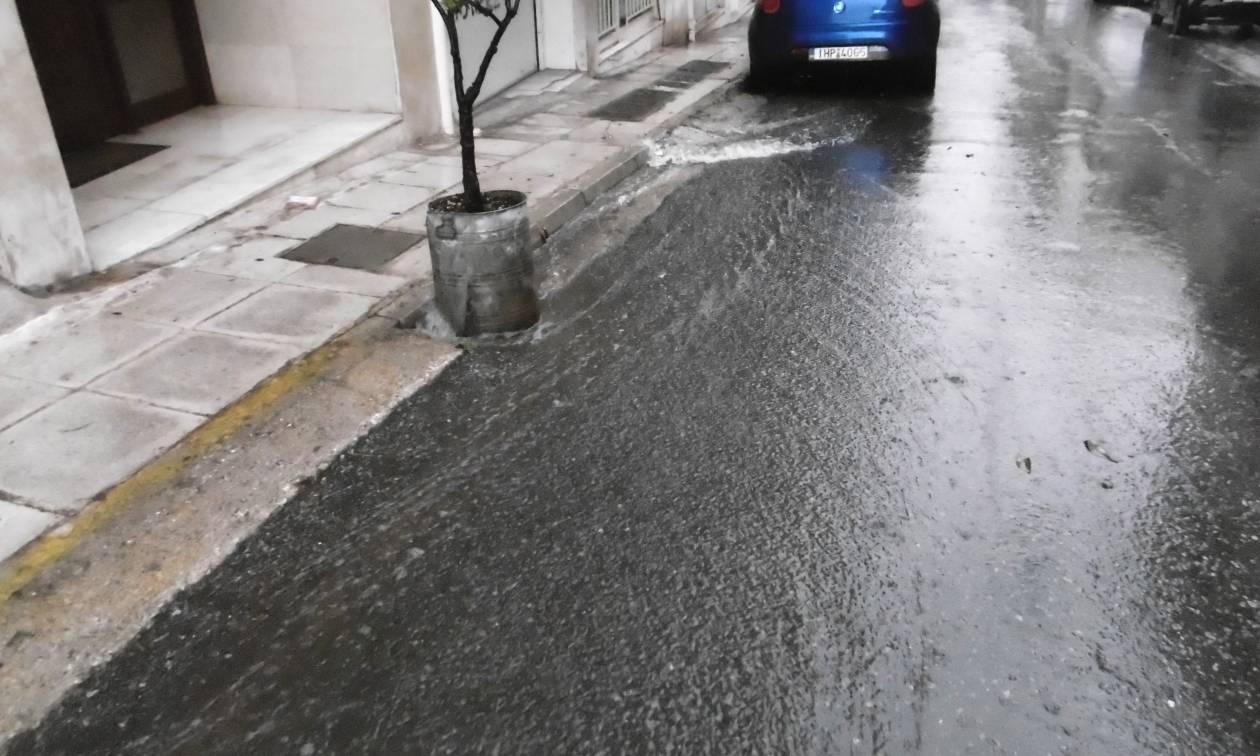 Καταιγίδα τώρα στην Αθήνα - Πού εντοπίζονται προβλήματα