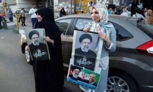 Στήνουν κάλπες σε Λευκωσία και Λεμεσό για τις εκλογές στο Ιράν
