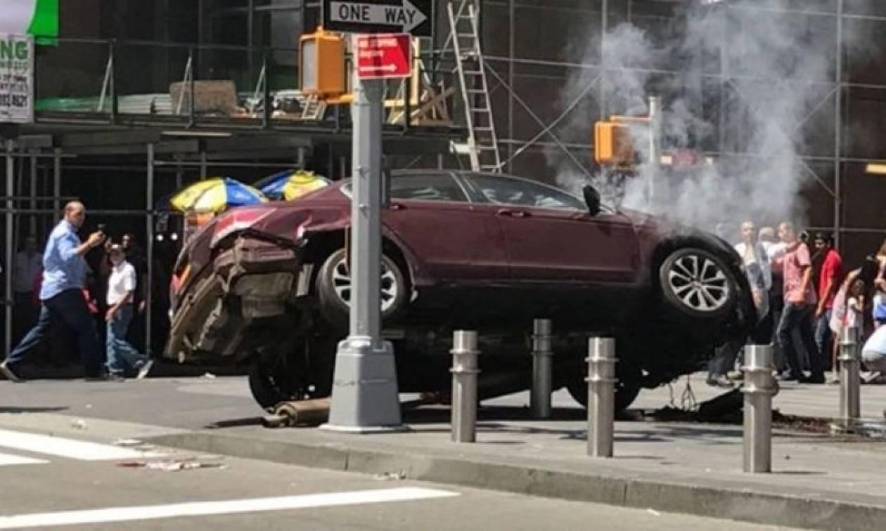 Συναγερμός στη Νέα Υόρκη: Αυτοκίνητο «θέρισε» πεζούς - Τουλάχιστον ένας νεκρός (pics+vid)