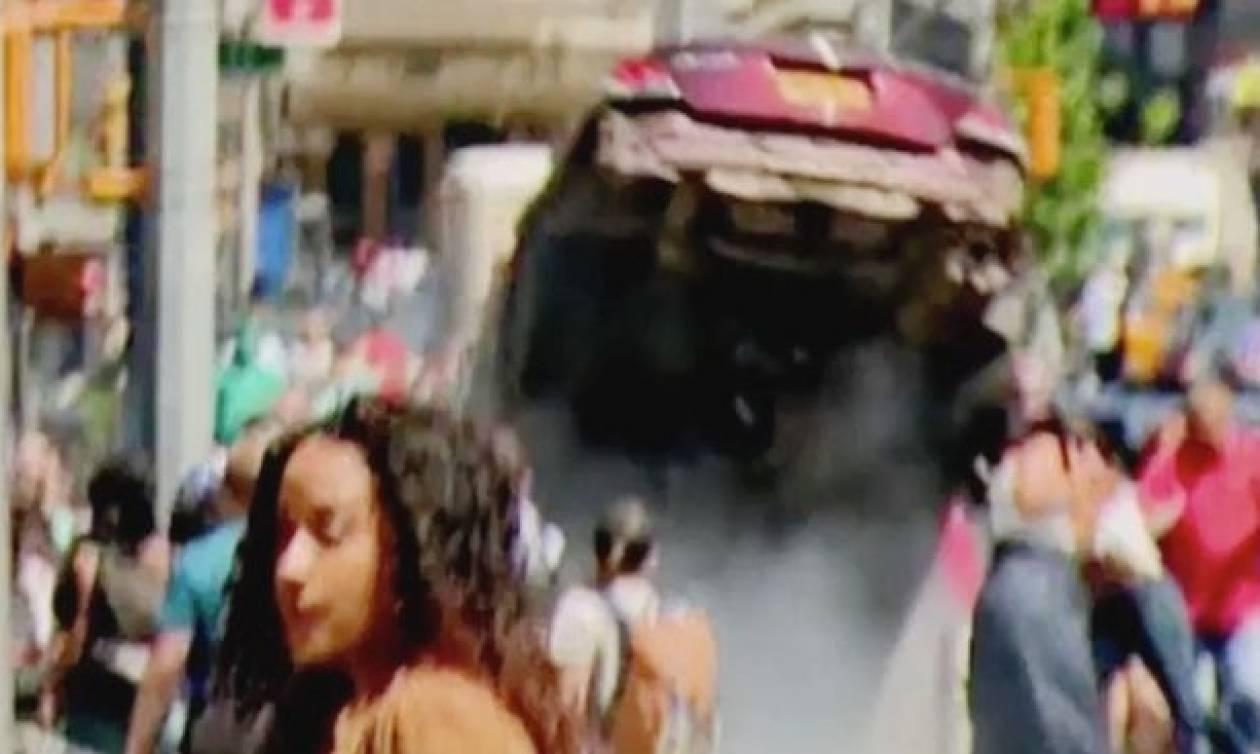 Βίντεο ντοκουμέντο: Η στιγμή που το αυτοκίνητο «θερίζει» πεζούς στη Νέα Υόρκη