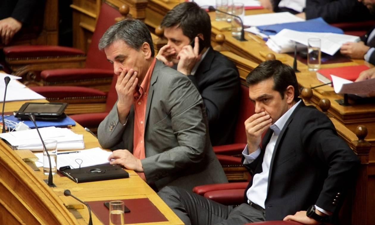 Τέταρτο μνημόνιο: Η κυβέρνηση ΣΥΡΙΖΑ - ΑΝΕΛ έβαλε «ταφόπλακα» στο μέλλον των Ελλήνων
