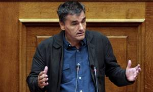 Survivor: Η τρομερή ατάκα του Τσακαλώτου που προκάλεσε γέλιο στη Βουλή