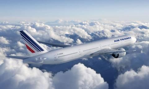 Συναγερμός σε πτήση της Air France - Χτυπήθηκε από κεραυνό