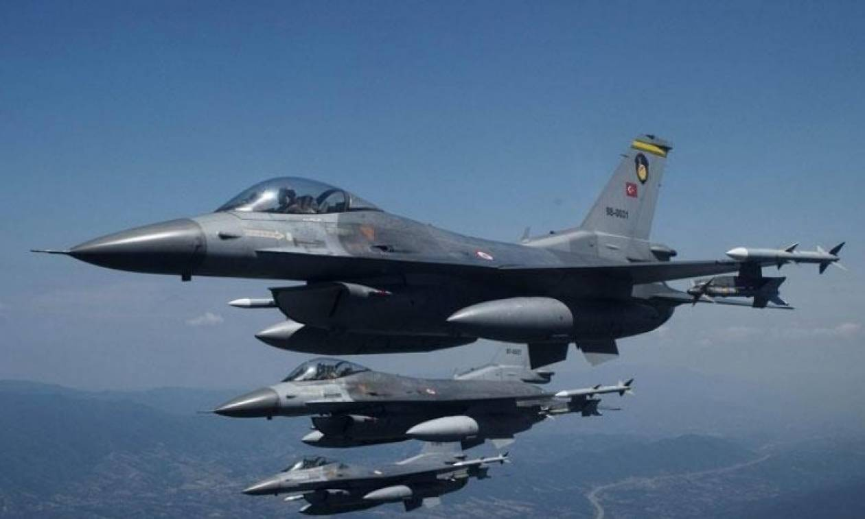 «Σουρωτήρι» το Αιγαίο: 57 τουρκικές παραβιάσεις και μία εικονική αερομαχία