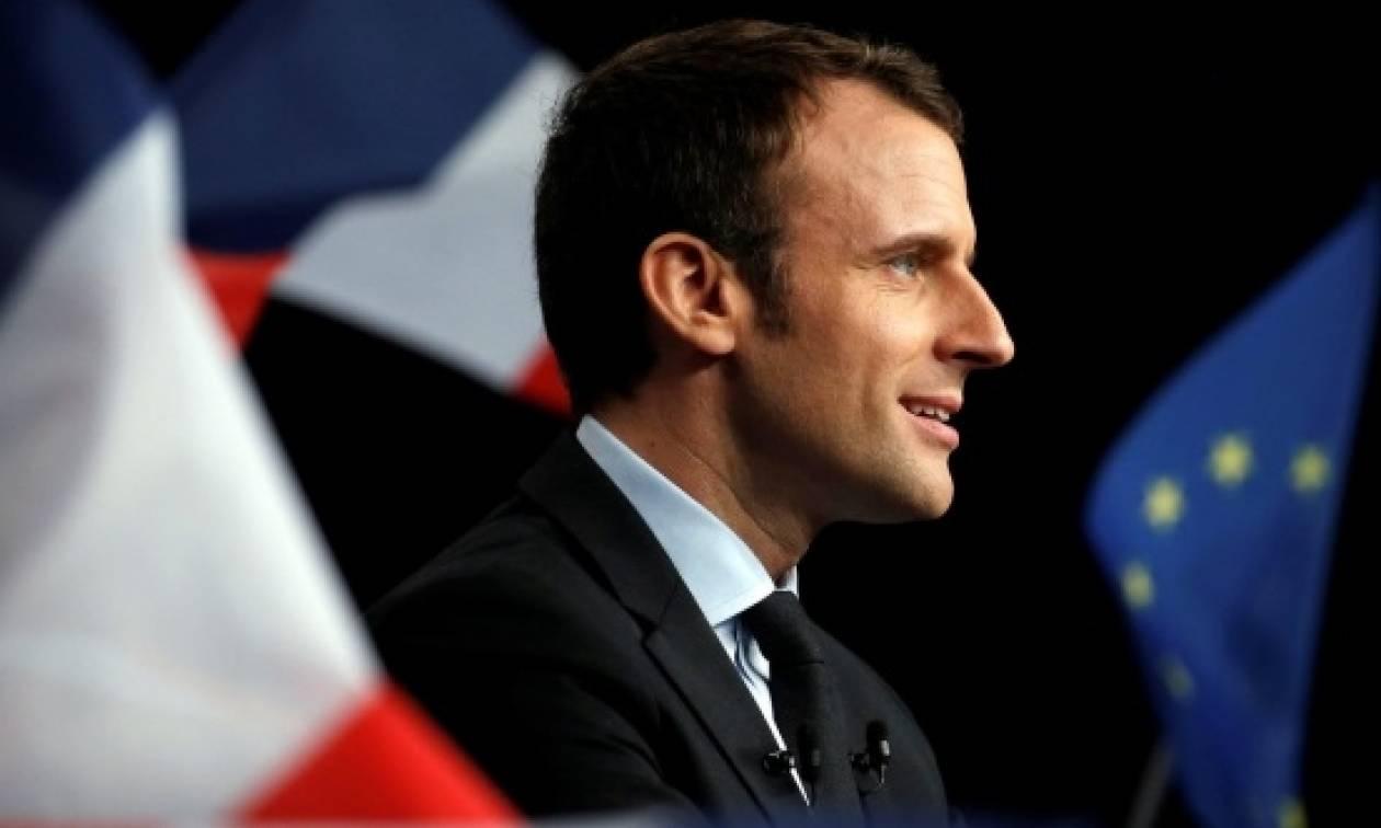 Γαλλία: Ο πρόεδρος Μακρόν επισκέπτεται τους Γάλλους στρατιώτες στο Μαλί