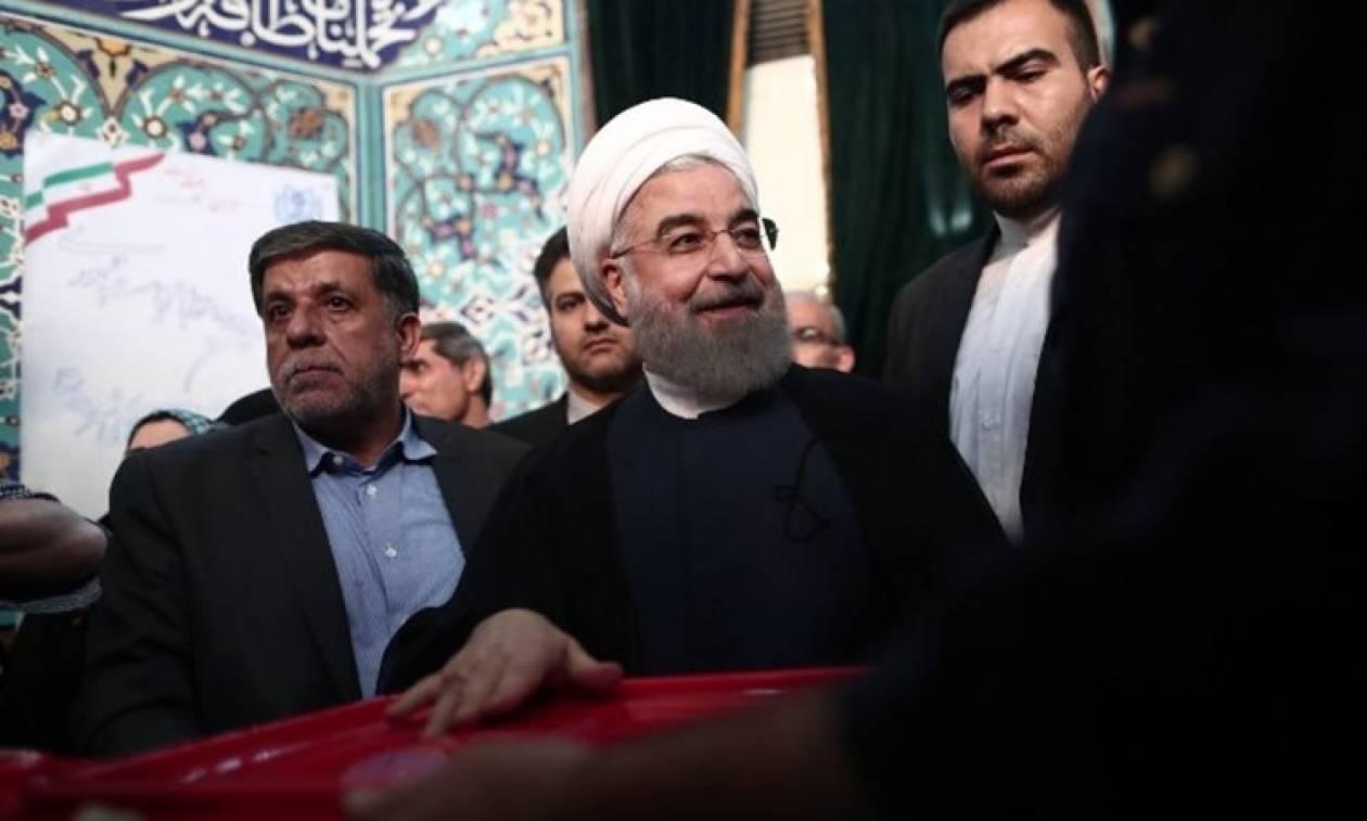Ιράν - Προεδρικές εκλογές: Ο Χασάν Ροχανί επανεξελέγη με 57%