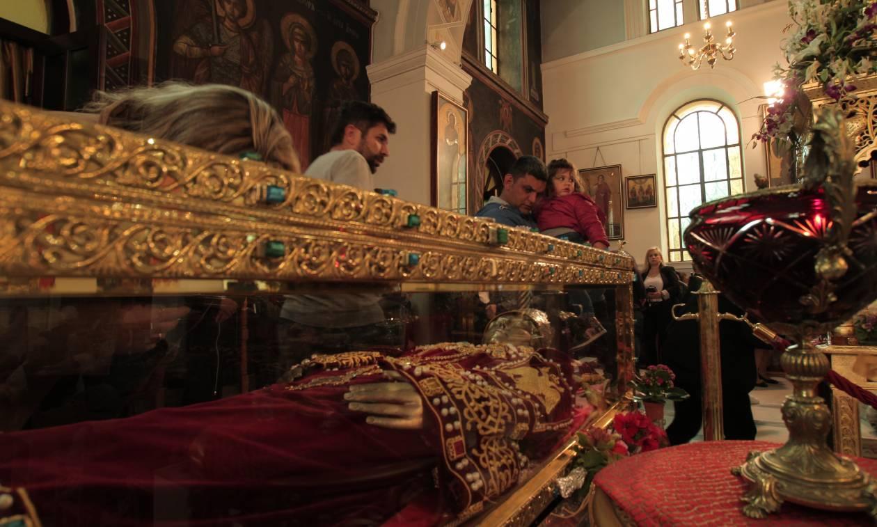Δέος: To Νewsbomb.gr στο προσκύνημα της Αγίας Ελένης (pics+vid)