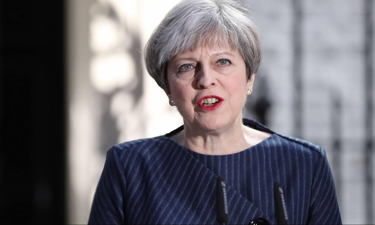 Εκλογές Βρετανία - Δημοσκόπηση: Ισχυρό προβάδισμα για τους Συντηρητικούς της Τερέζα Μέι