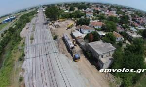 Εκτροχιασμός τρένου: Ο επίλογος της σιδηροδρομικής τραγωδίας - Ανασύρθηκε η μοιραία μηχανή (vid)