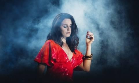 Viral: Η Lana Del Rey «ξαναχτυπά» με τραγούδι-έκπληξη για την πολεμική ένταση με τη Βόρεια Κορέα