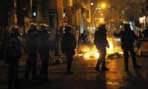 Επεισόδια Εξάρχεια: Τραυματίας ένας αστυνομικός