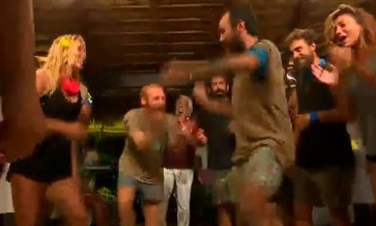 Survivor: Ο «Μισθοφόρος» διδάσκει... χορό και ρίχνει το διαδίκτυο (video)