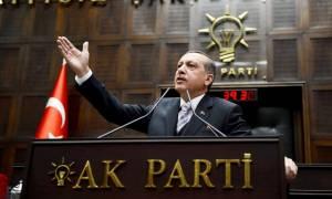 Στα ηνία του AKP ξανά ο Ερντογάν - Πανηγυρική επανεκλογή στο κόμμα που ίδρυσε
