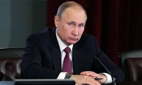 В Кремле отказались комментировать сообщения о визите Путина во Францию