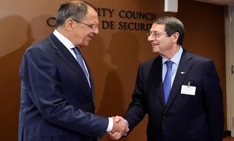 Глава МИД РФ Сергей Лавров провел переговоры с президентом Кипра Никосом Анастасиадисом