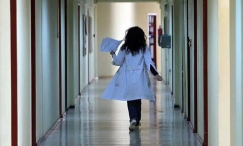 ΚΕΕΛΠΝΟ: Νέες προσλήψεις υγειονομικών για το προσφυγικό