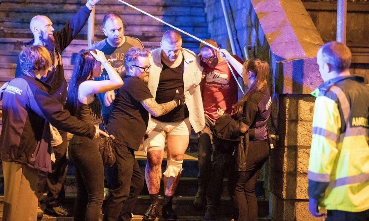 Τρομοκρατική επίθεση στο Μάντσεστερ: «Ματωμένη» συναυλία με δεκάδες νεκρούς και τραυματίες (videos)