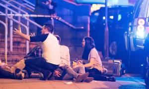 Τρομοκρατική επίθεση Μάντσεστερ: Θρήνος στη Βρετανία – Αυξάνεται διαρκώς ο αριθμός των νεκρών
