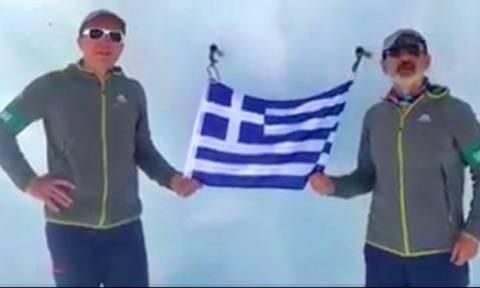 Έλληνες «πάτησαν» για ακόμη μια φορά την κορυφή του Έβερεστ - Ακούστε τις πρώτες τους δηλώσεις