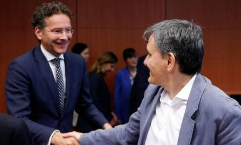 Еврогруппа не утвердила решение о выделении Греции очередного кредита
