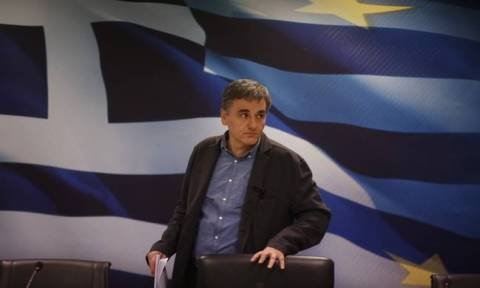 Tsakalotos: Overall deal on Greece's loan tranche, debt feasible within three weeks