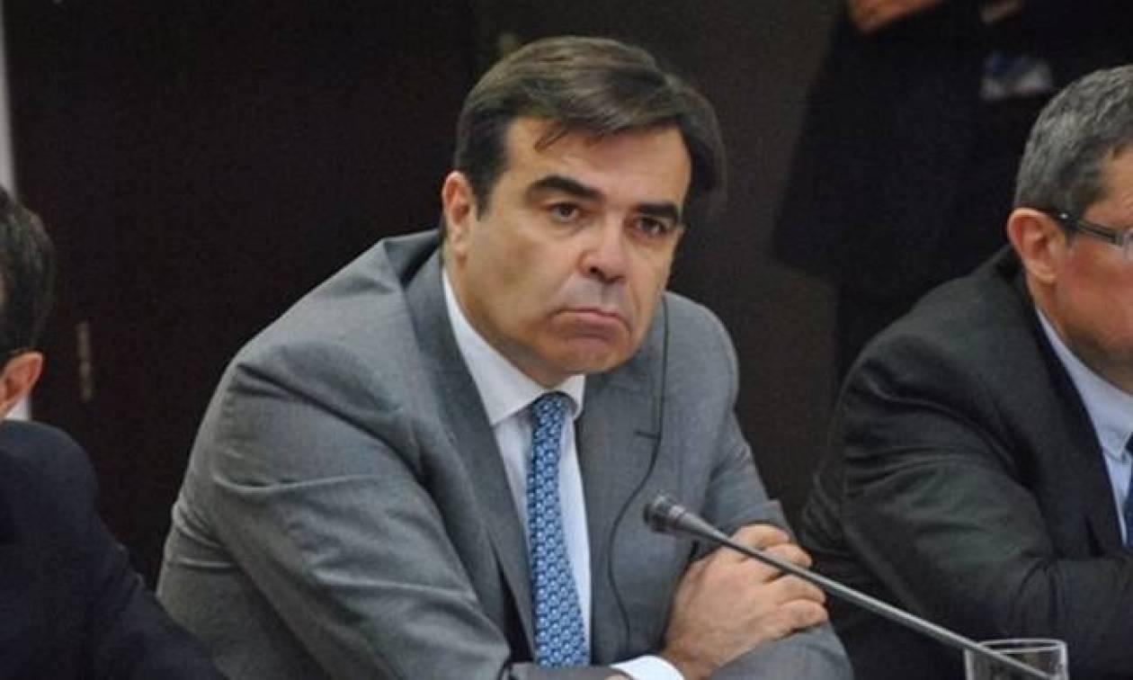 Κομισιόν - Σχοινάς: Καλούμε όλες τις πλευρές να τιμήσουν τις προσπάθειες του ελληνικού λαού