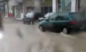 Καιρός: Πλημμύρισε η Κοζάνη (vid)