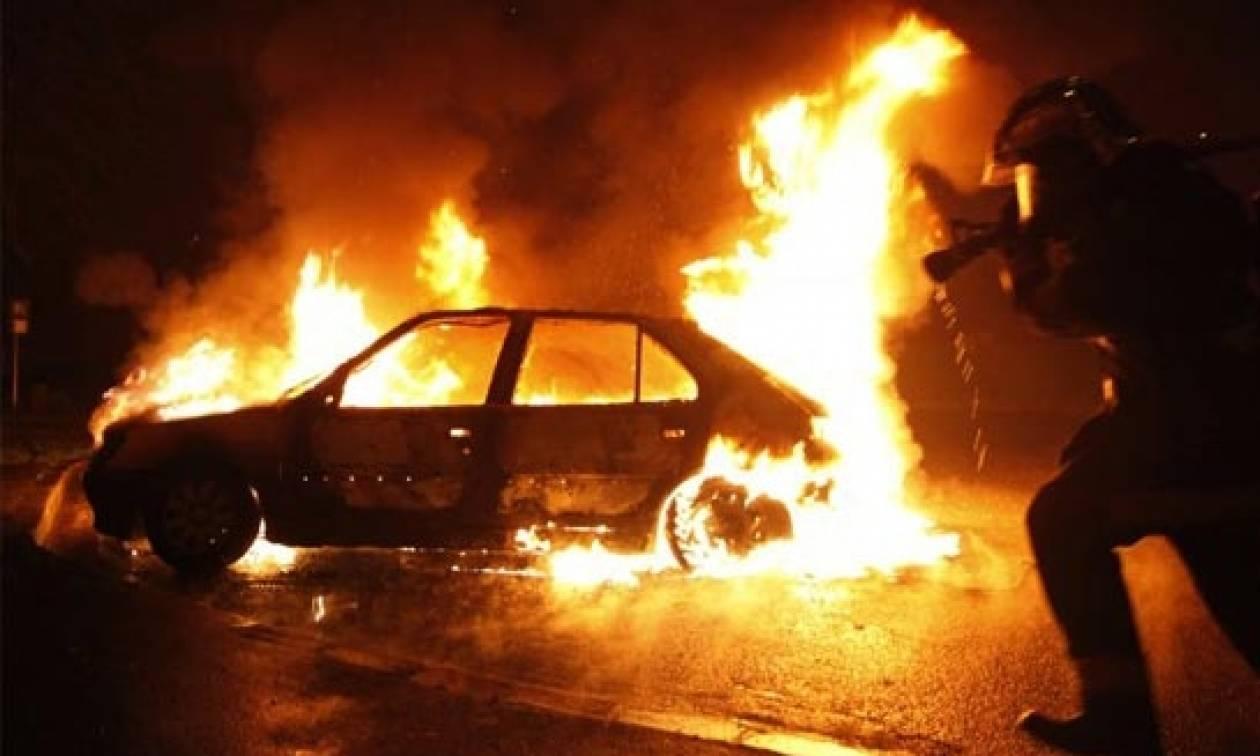 Θρίλερ στην Αττική: Δύο νεκροί σε καμένα αυτοκίνητα – Τι εξετάζουν οι Αρχές