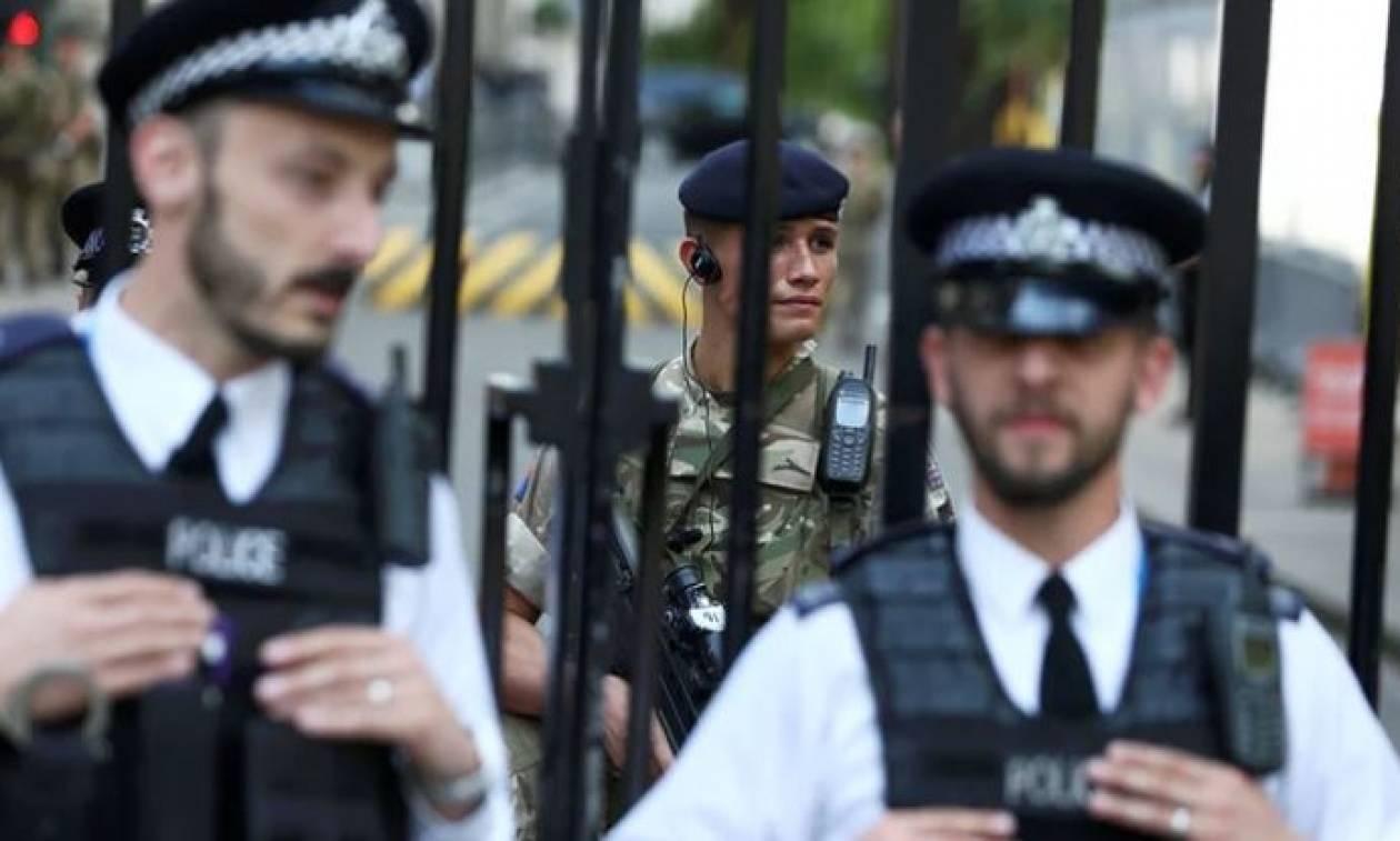 Έκρηξη Manchester: Η βρετανική αστυνομία ανακρίνει επτά άτομα