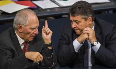 Σόιμπλε και Γκάμπριελ «σφάζονται» για το ελληνικό χρέος