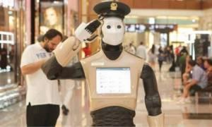 Έπιασαν δουλειά τα ρομπότ! Άλλο κάνει περιπολίες στο Ντουμπάι και άλλο χορεύει βαλς στην Ιαπωνία!