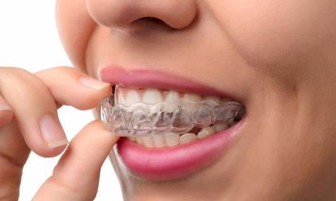 Τρίζετε τα δόντια σας ενώ κοιμάστε; Έξι στρατηγικές για να το αντιμετωπίσετε