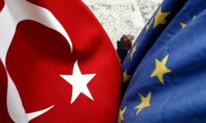 Οι Βρυξέλλες θέλουν «να συνεχίσουν να συνεργάζονται» με την Τουρκία