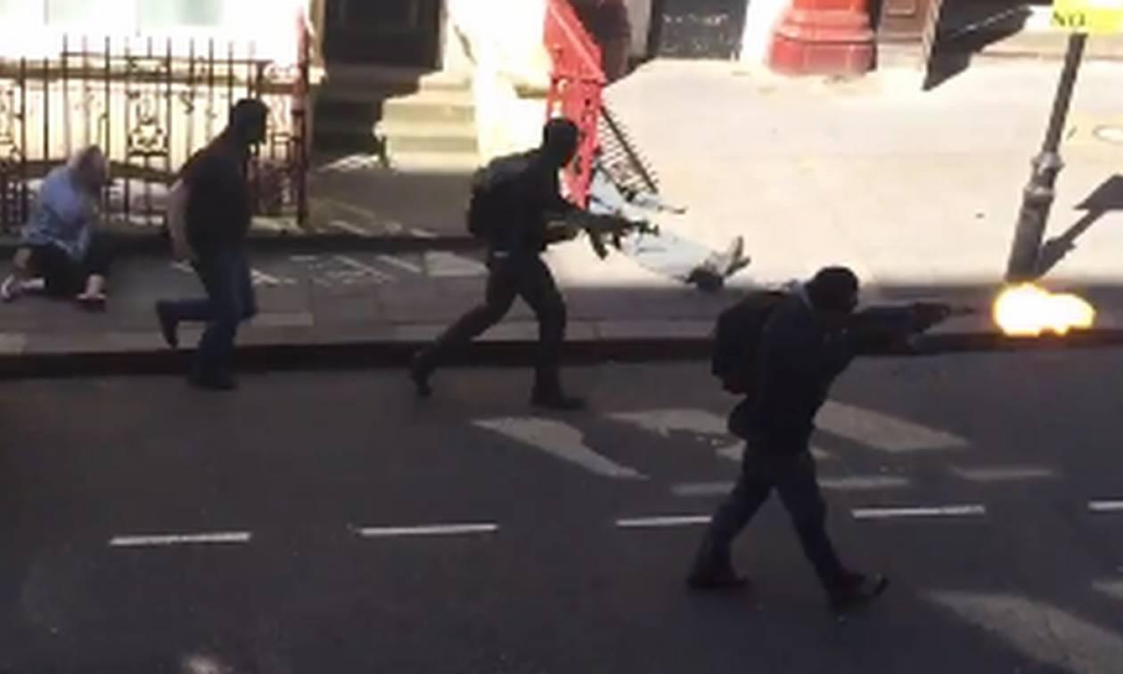Βρετανία: Κατηγορίες σε τρία άτομα για συνωμοσία με σκοπό την εκτέλεση τρομοκρατικών επιθέσεων